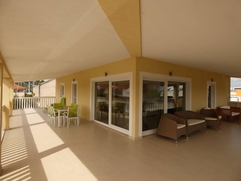 Mirjana gary moderno e confortevole appartamento for Piani domestici contempory
